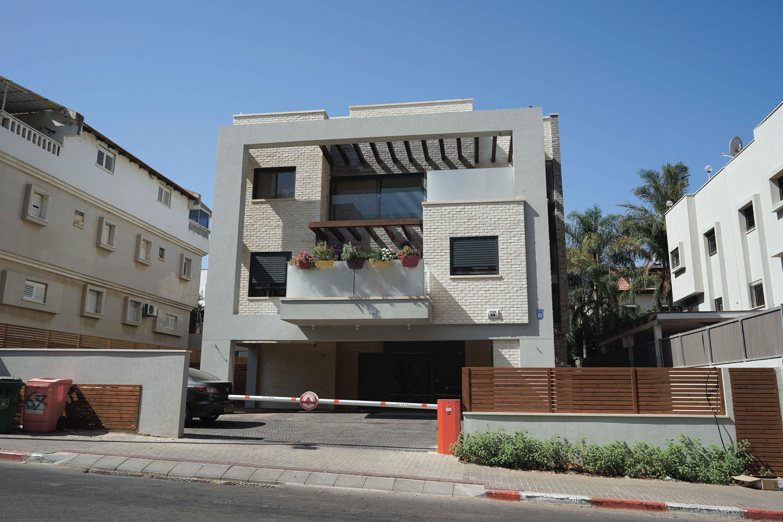הצעת השבוע: דירות גג וגן בהרצליה