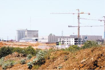 מפעל קניאל. צילום עזרא לוי
