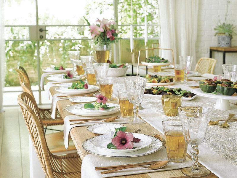 בין השולחנות: שידרוגים קטנים לשולחן החג