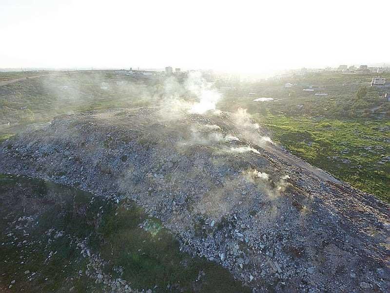 שריפת פסולת בקלקיליה. צילום ועד הפעולה נגד שריפות הפסולת בשרון