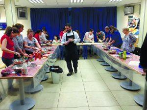 סדנת בישול במרכז אלי כהן. צילום דוברות העירייה