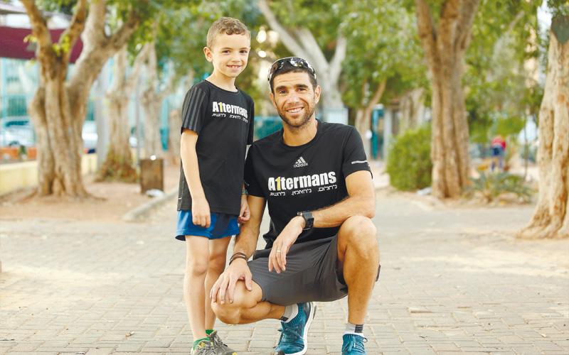 גיא אלתרמן ואביו רן אלתרמן. צילום עזרא לוי