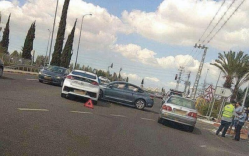 תאונה בכביש 5233. צילום עירית דלל