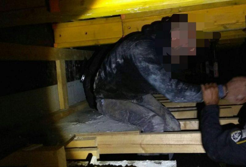 החשוד ברגע המעצר. צילום משטרת ישראל