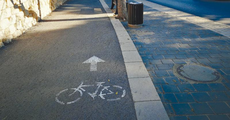 שביל אופניים ברחוב טשרניחובסקי