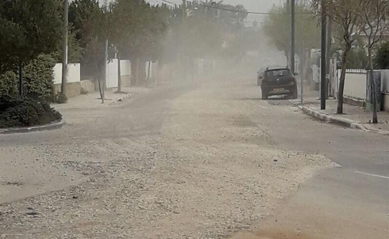 ענני אבק בשכונת עלייה. צילום איציק גומלי