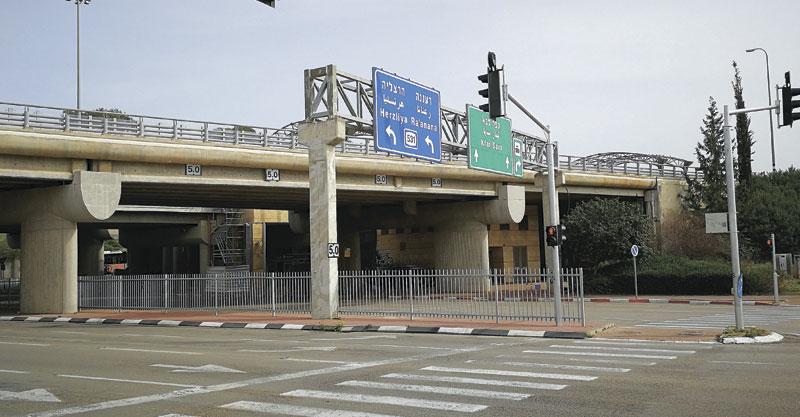 מחלף סוקולוב בכביש 531. צילום עזרא לוי