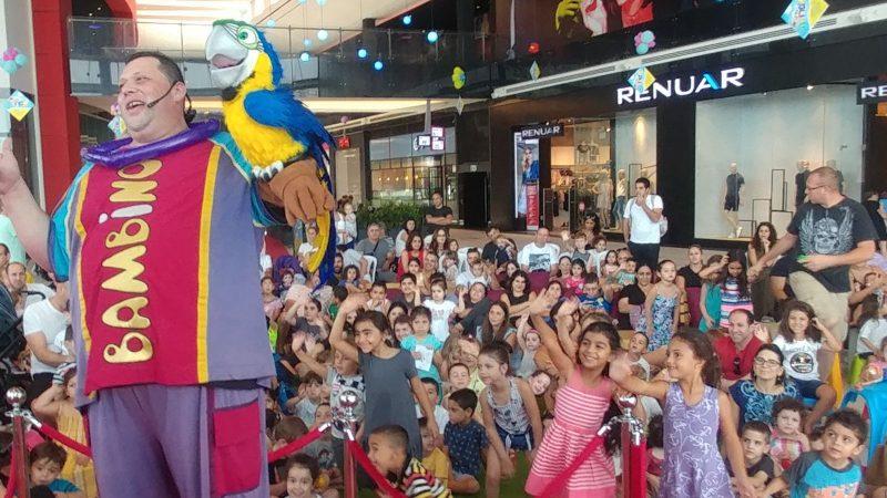 הקוסם אייל במבינו במופע לילדים