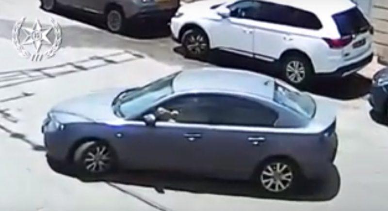 פענוח השוד ברחוב טשרניחובסקי. מתוך הסרטון שפרסמה המשטרה