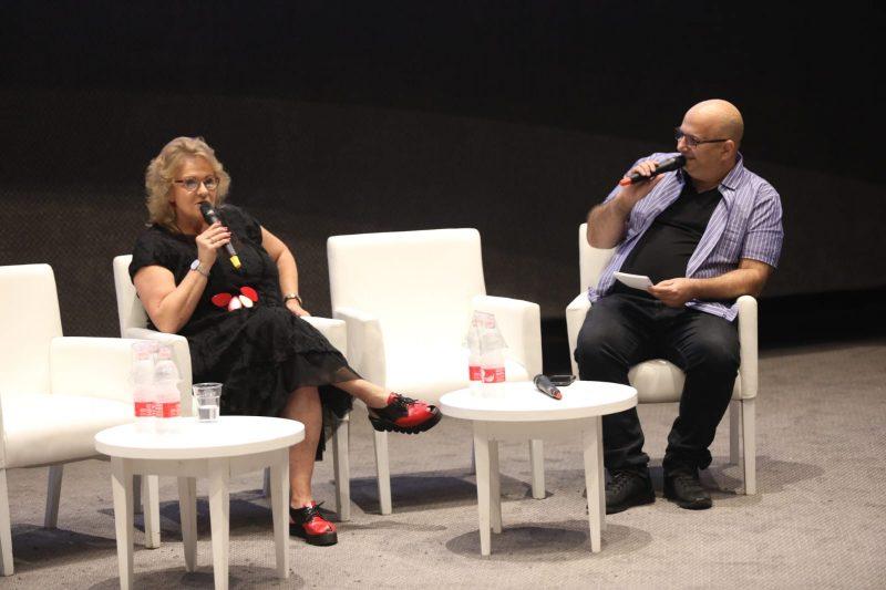 אורלי פרומן ואריה אברמזון בועידת החינוך של כפר סבא. צילום עזרא לוי