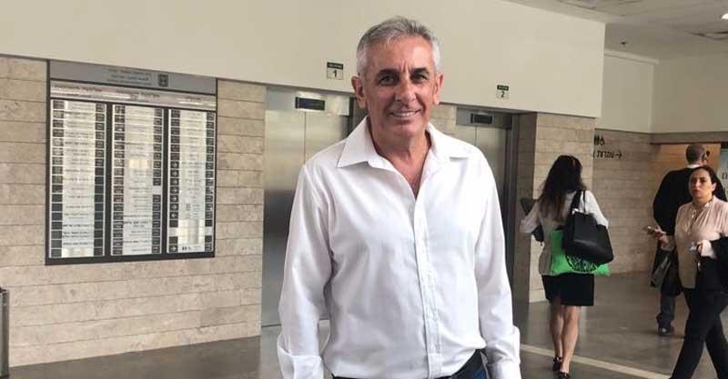 יהודה בן חמו בפתח משפטו בבית המשפט המחוזי בלוד. צילום: אריה אברמזון
