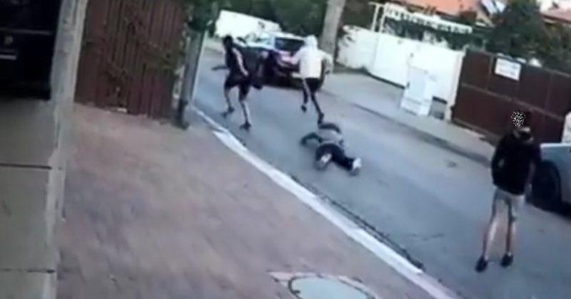 שוד האישה בשיכון ותיקים בכפר סבא. צילום מתוך הסרטון