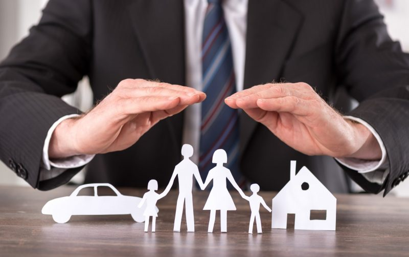 סוכני ביטוח בשרון. אילוסטרציה ממאגר Shutterstock