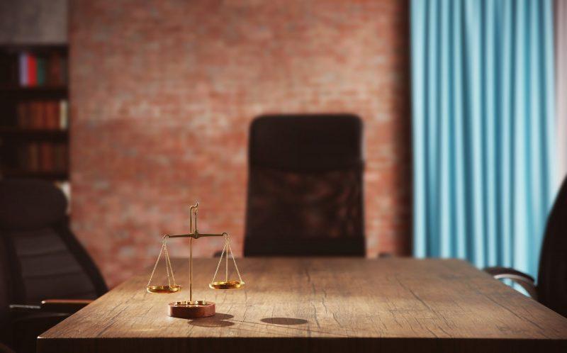 עורכי דין בשרון. מאגר תמונות : Shutterstock