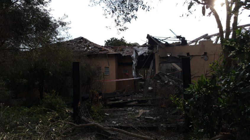 הבית שנפגע. צילום משטרת ישראל