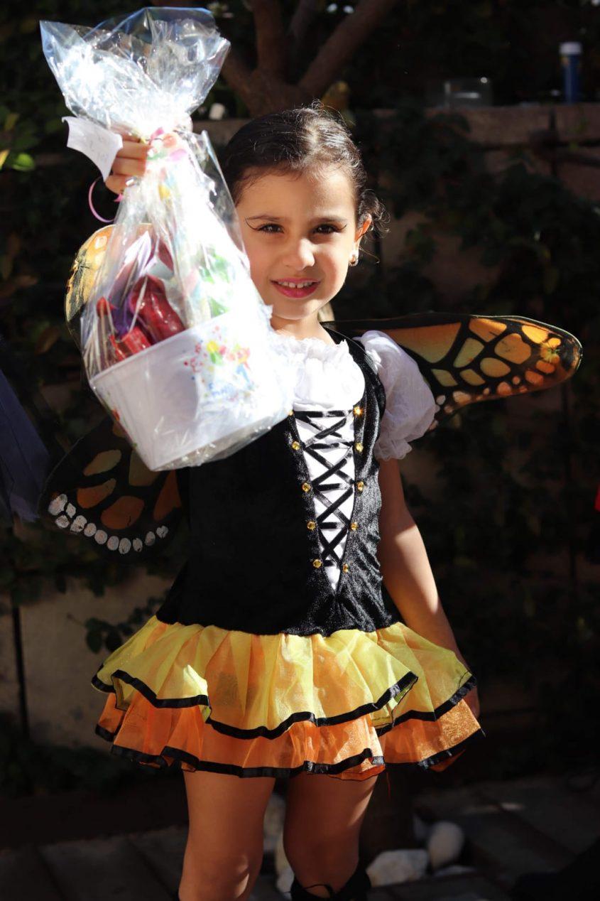 יהלי בן עמי מגן שיטה, בת ארבע, התחפשה לפרפרית