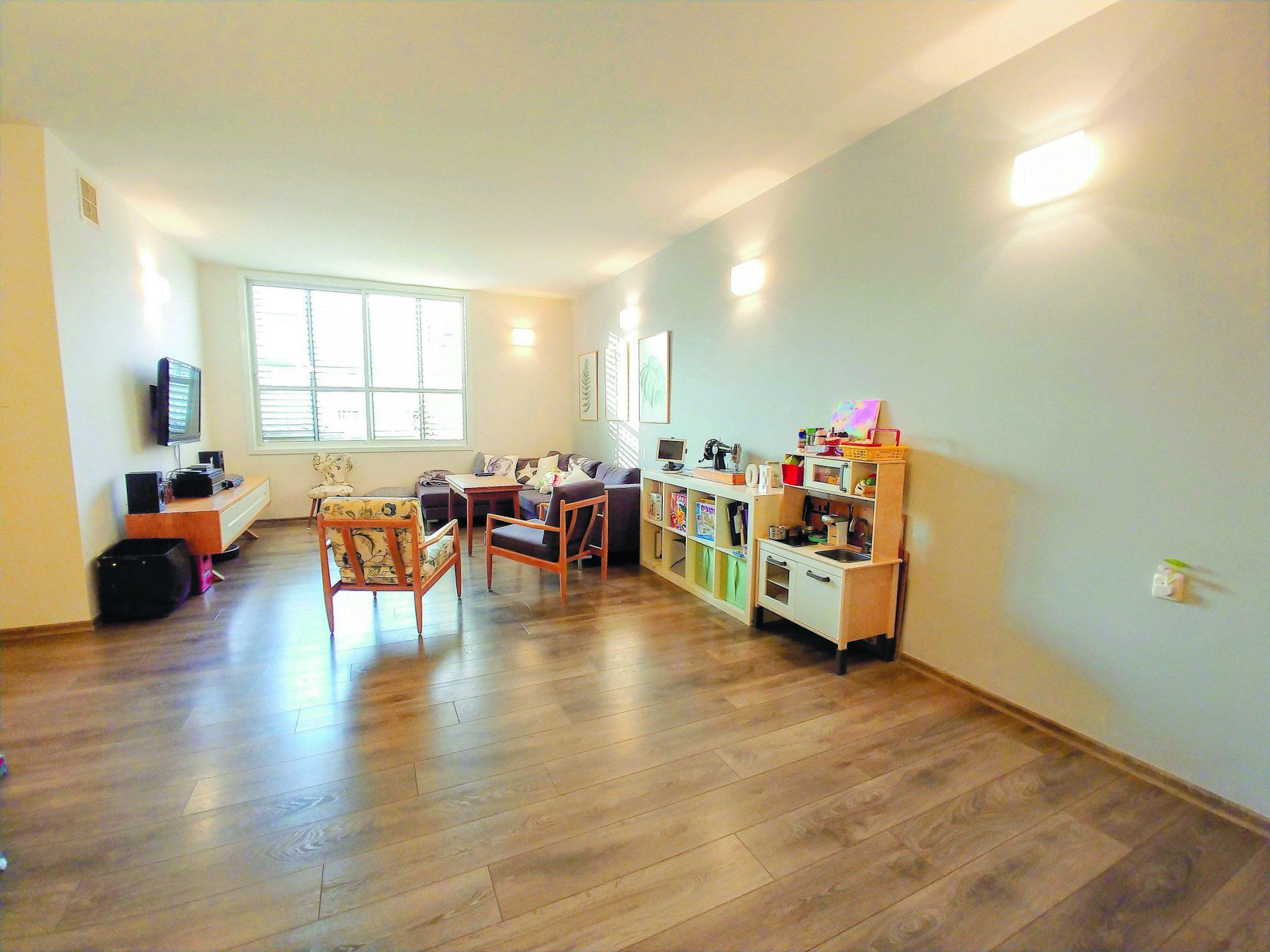 הצעת השבוע. דירה עם ארבעה חדרים ב-2.12 מיליון שקל