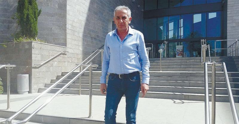 יהודה בן חמו מול בית המשפט צילום אריה אברמזון