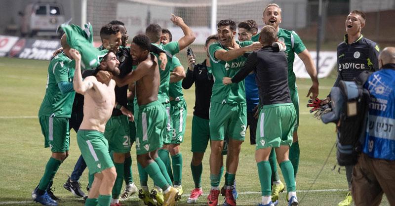 שחקני כפר סבא חוגגים את הניצחון מול אשקלון. צילום: ירדי עואמי