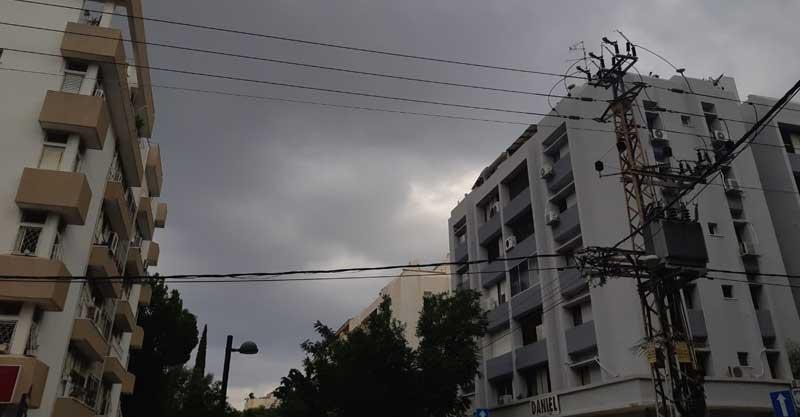 גשם באוגוסט בכפר סבא. צילום אריה אברמזון