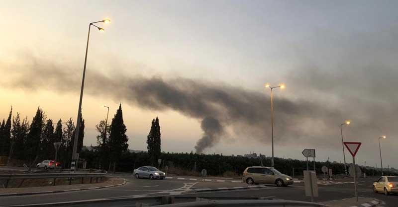 שריפת פסולת מזרחית לקלקיליה. צילום אלון בדיחי