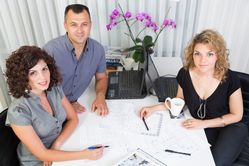 הצוות - מיטל מריאנה ויבגני. צילום: דימיטרי פיסטרוב