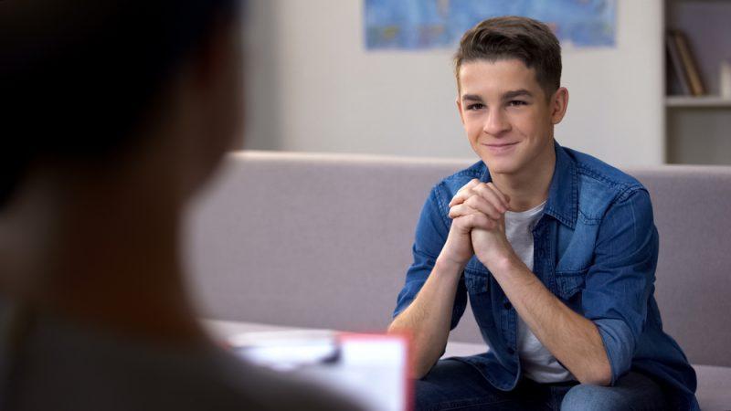 טיפול בחרדות בקרב מתבגרים: הכירו את אתי בנבינסטי. צילום: Motortion films, Shutterstock