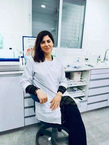"""ד""""ר מירן קצב מקימת החברה הראשונה בישראל לייצור ומשלוח קשתיות שקופות עד לבית המטופל. צילום: מאי רידנר"""
