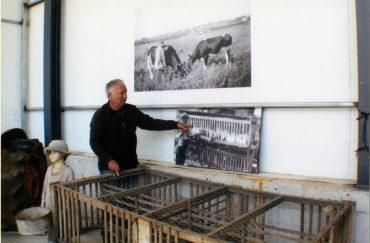 דוביק במהלך סיור במוזיאון (צילום: יואל פיקסלר)