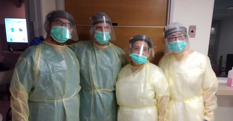 צוות פנימית ב' במחלקת ק2 (קורונה 2) במרכז הרפואי מאיר. צילום באדיבות המרכז הרפואי מאיר
