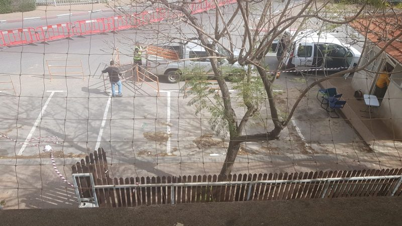 הקמת מתחם הבדיקות של מכבי ברחוב התעש 27 בכפר סבא. צילום נורה פרל