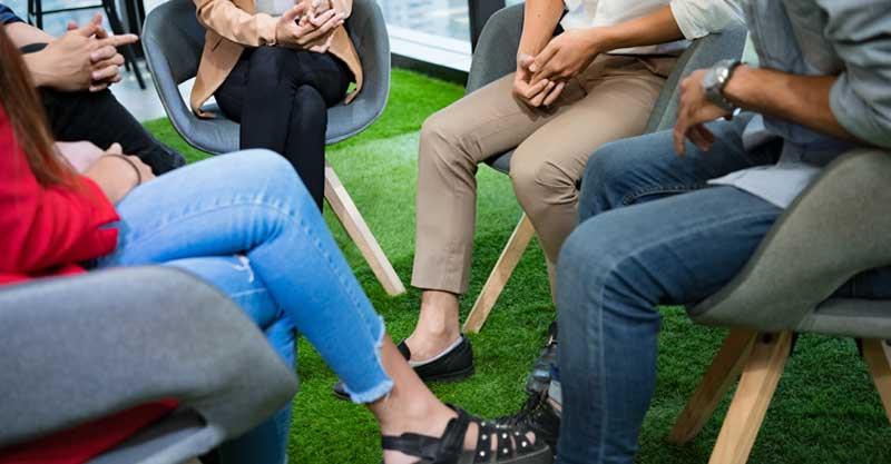 אילוסטרציה של ישיבה במעגל