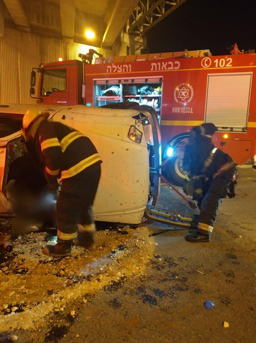 זירת התאונה. צילום דוברות כיבוי אש