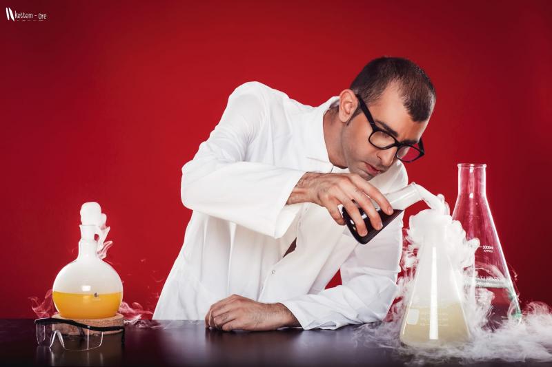 """""""השף המלקולרי"""" שחר דבח. צילום אייל יאסקי וייס"""